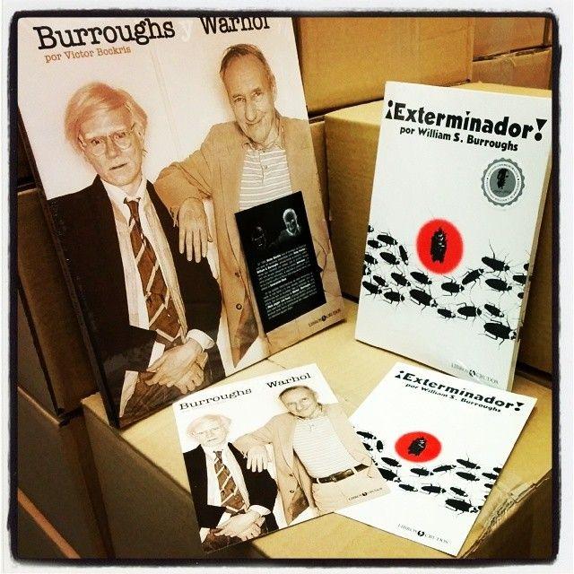 'El affaire de Burroughs y Warhol' y '¡Exterminador!' acompañados de sendas postales